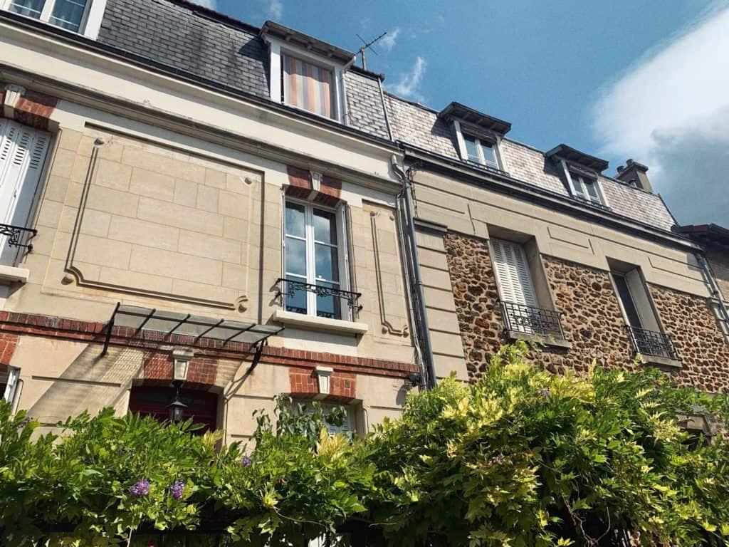La Campagne à Paris wisteria