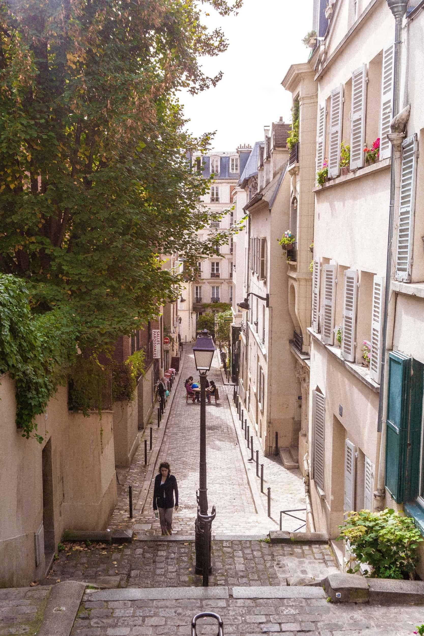 Curious Montmartre: Rue André Antoine, 18th arrondissement, Montmartre, Paris, France