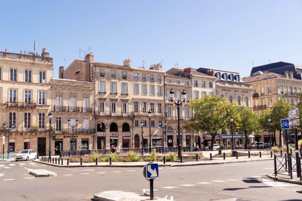 10 Reasons to Visit Bordeaux (And it's not just the wine!). Here's what you ned to see in Bordeaux, the beautiful wine city of Nouvelle-Aquitaine, South West France, Europe