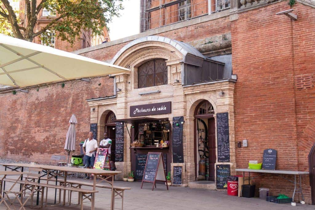 la morgue de la daurade, Secret Spots in Toulouse & A Complete Guide to the best of unusual, offbeat, and quirky things to do in La Ville Rose (the pink city), capital of Occitanie, Toulouse, South West France