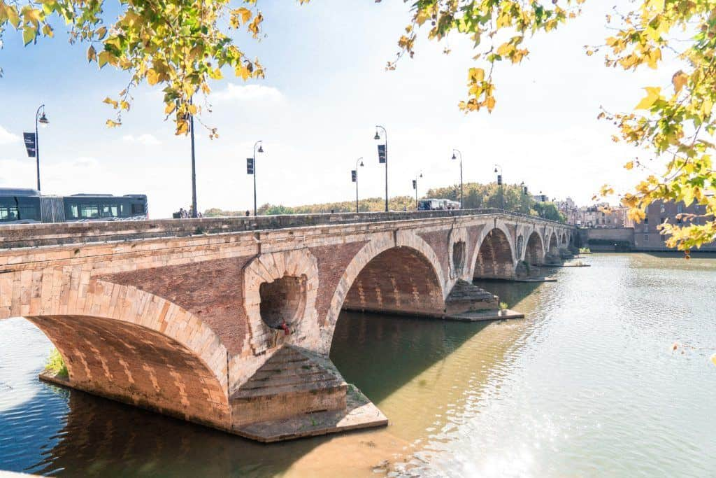 l'enfant au bonnet d'âne (the child with a dunce cap statue), Secret Spots in Toulouse & A Complete Guide to the best of unusual, offbeat, and quirky things to do in La Ville Rose (the pink city), capital of Occitanie, Toulouse, South West France