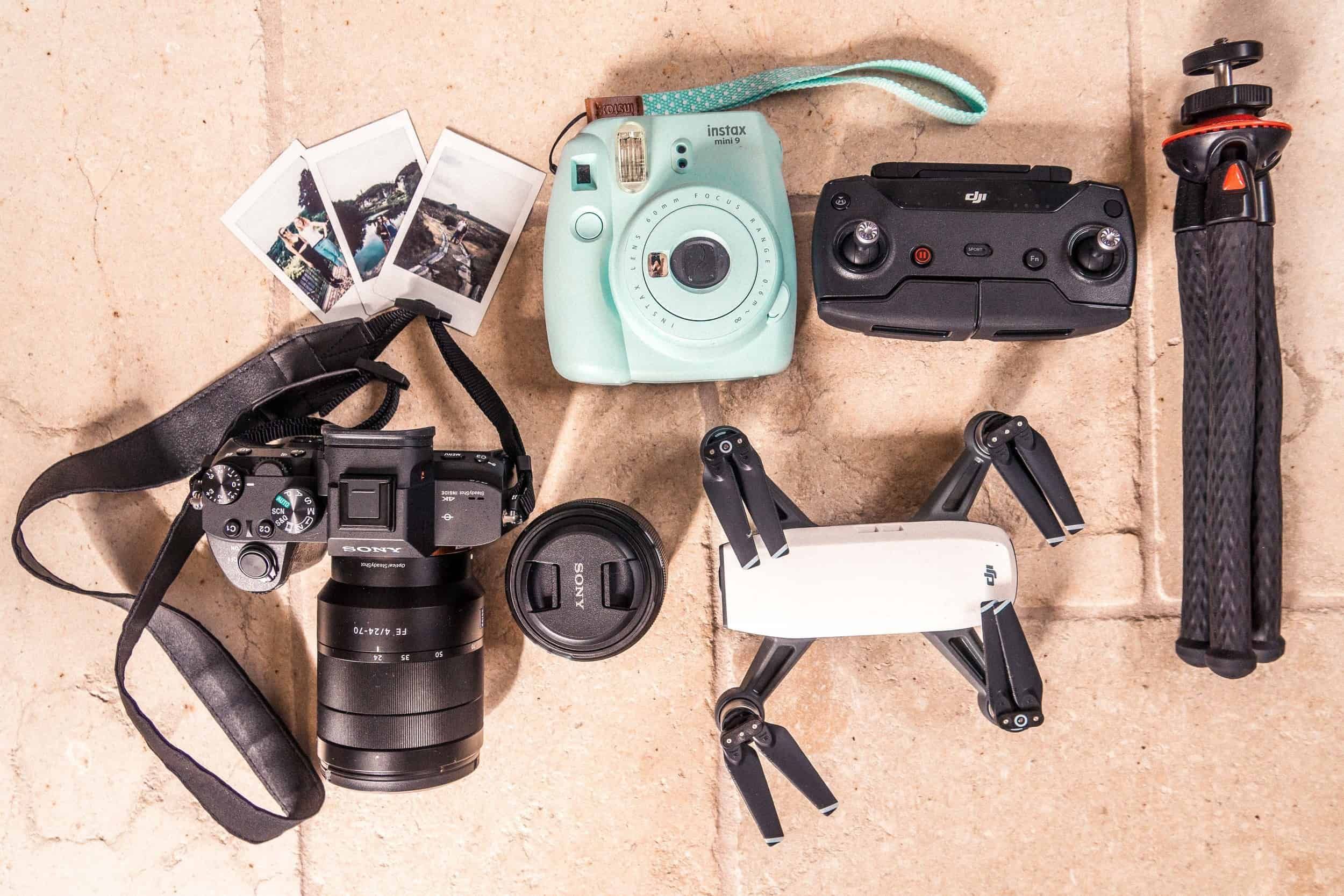 What's In My Camera Bag? | 2018 EDITION & Recommended Travel Photography Gear