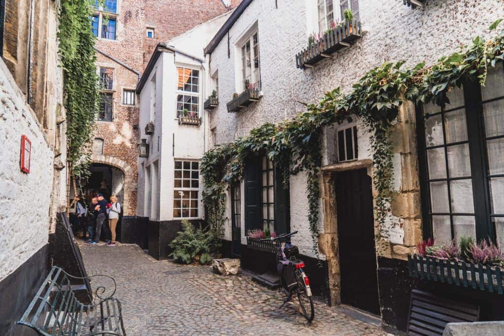 Secret Spots in Antwerp & A Complete Guide to the best of unusual, offbeat, and quirky things to do in Antwerpen (Anvers), Northern Belgium