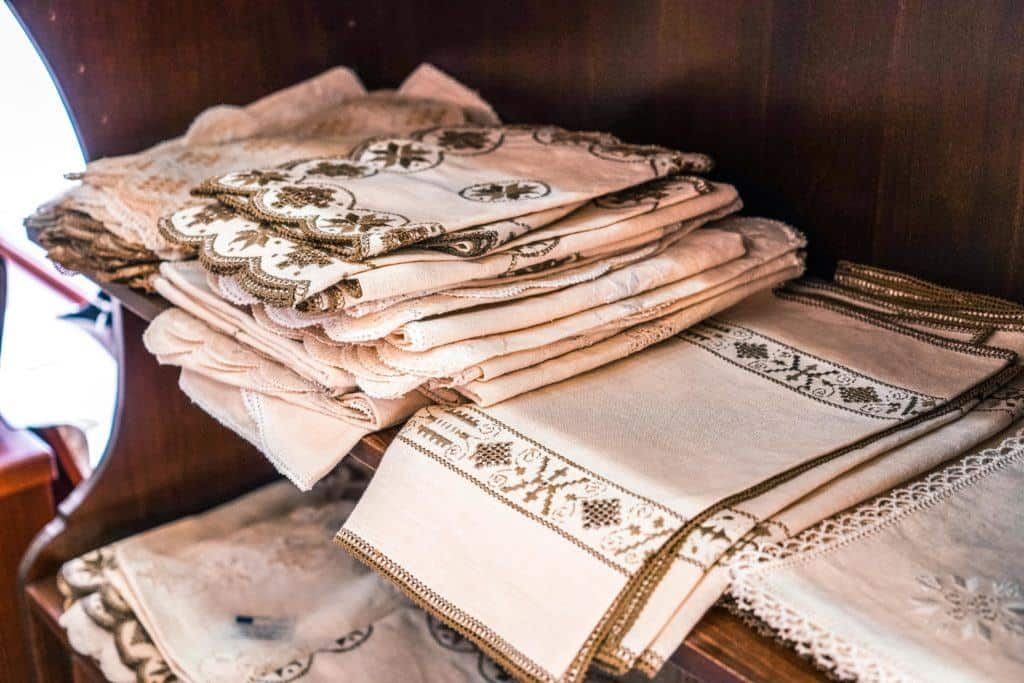 A quick guide to the best things to do in Pano Lefkara, a beautiful Cypriot village in Cyprus. Here's what to do and attractions in the traditional town of Lefkara .(Lefkara needlework/ embroidery)