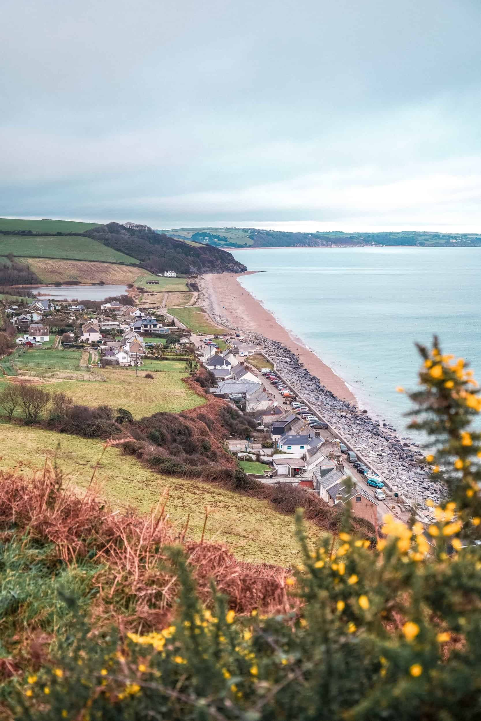 A guide to the best things to do in Beesands, a beautiful Devonian village in the South Hams, South Devon, South West England. Here's what to do, where to stay, and attractions in Beesands