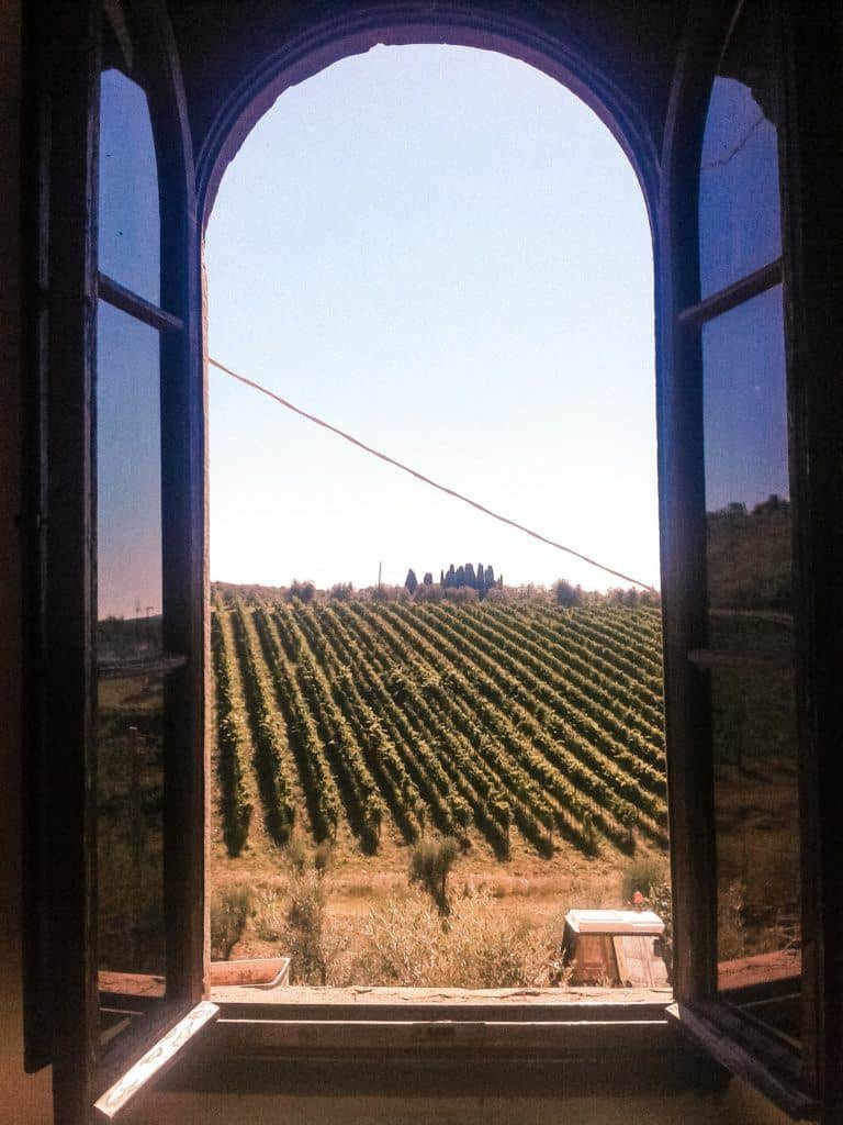 Florence to Chianti: A Tuscany Day Trip from Florence. A complete guide to visiting the Chianti region; wine varieties, villages to visit, and how to get there! Tuscany, Italy