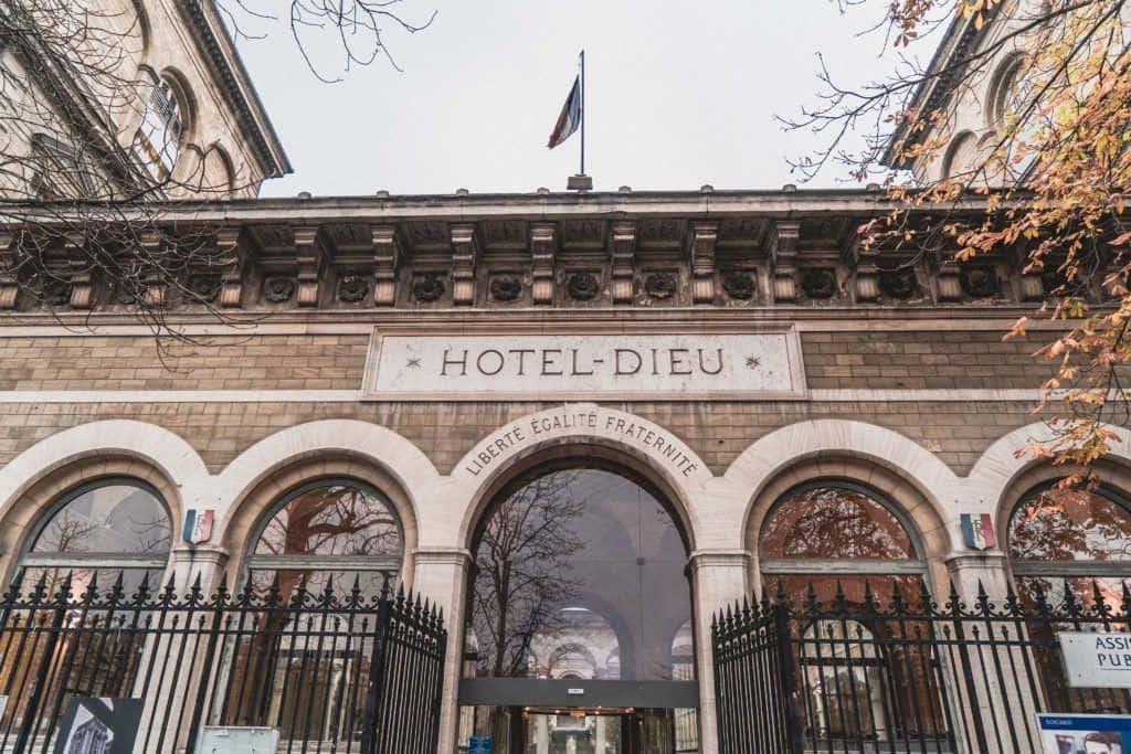 Hotel-Dieu de Paris: A Peek Inside the Oldest Hospital in Paris