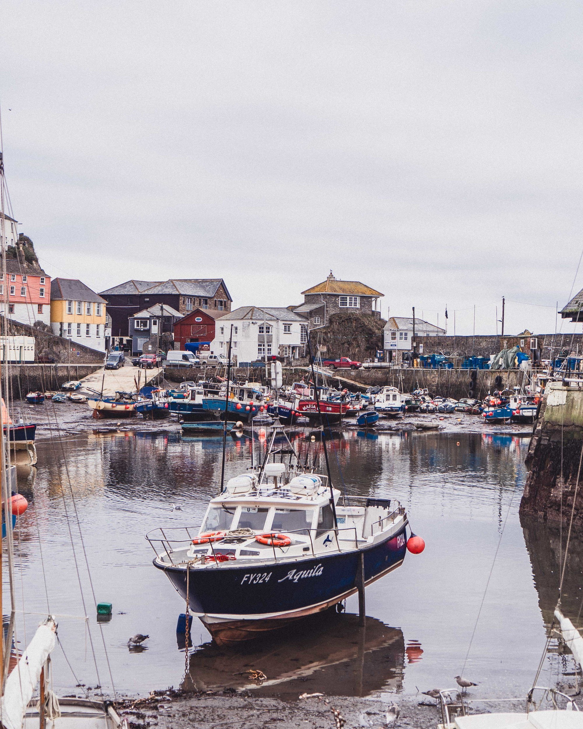 How to Spend a Weekend in Cornwall Itinerary (by a local!) How to spend 48 hours in South West England (Cornish accommodation, activities, and things to do!)