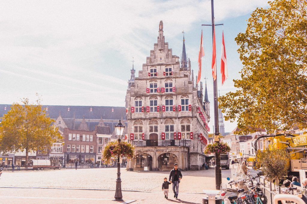 The Best Day Trips from Rotterdam, The Netherlands: Here are the very best excursions from Rotterdam, Holland. UNESCO windmills, culinary experiences (Gouda), boating harbours, and more!.