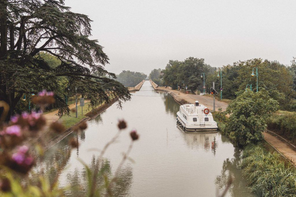 Le Pont Canal: Agen travel guide: Here's your ultimate itinerary for why you must visit Agen, the medieval rugby and prune city of Lot et Garonne, Nouvelle Aquitaine, France Europe (what to do an see in Agen)