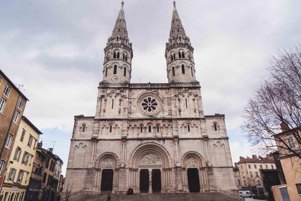 Église Saint Pierre (Church of St Pierre) exterior