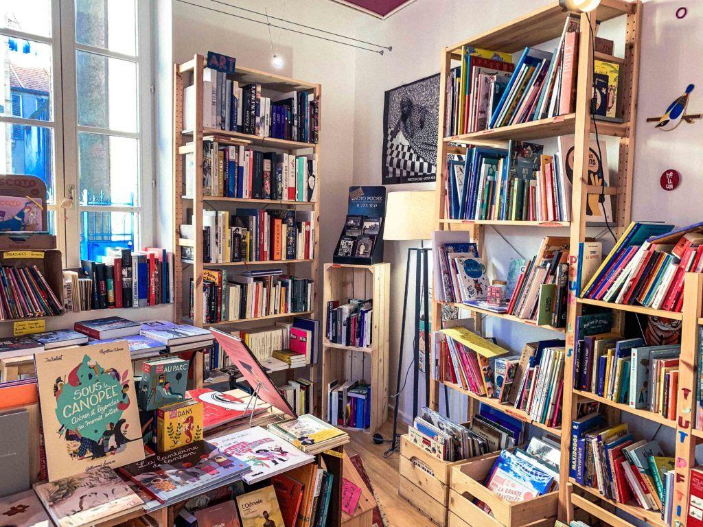 La Fleur Qui Pousse à l'Interieur (bookshop and tea rooms)