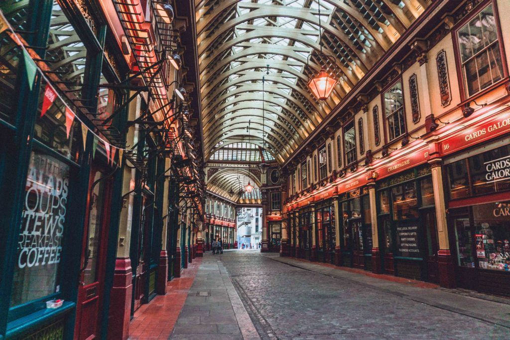 Leadenhall Market Guide, A London 14th-Century Covered Marketplace in the City of London, London, England