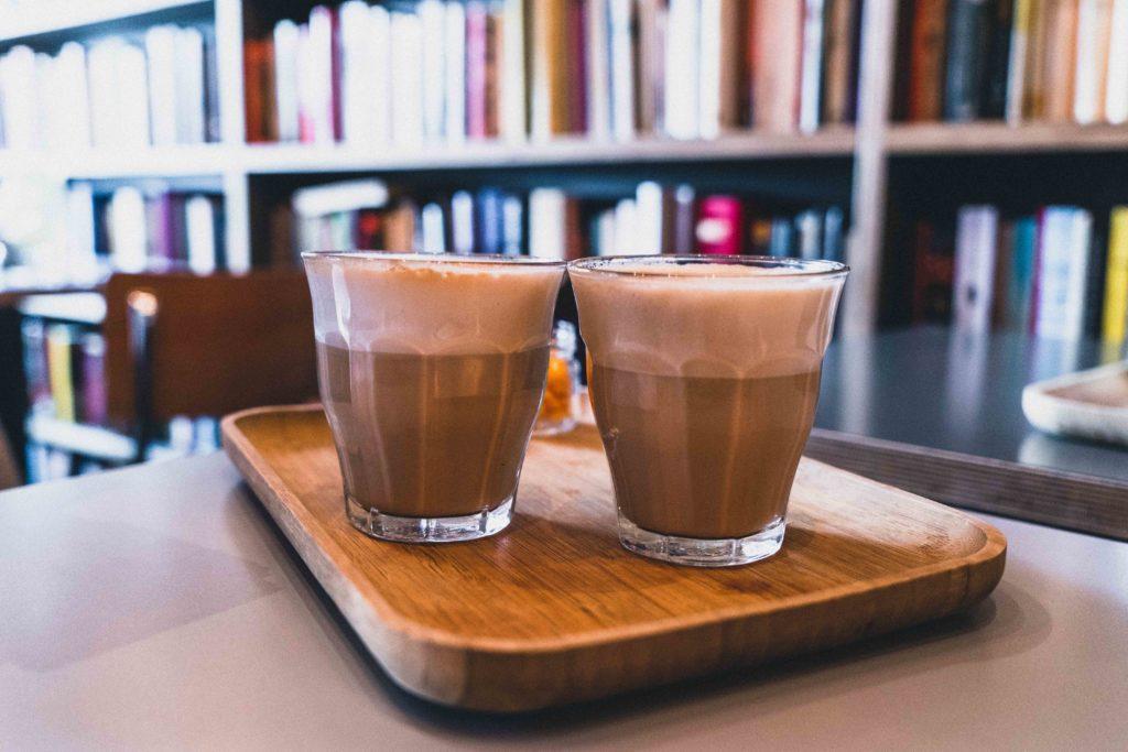 Le Bal Infernal Used Book Café