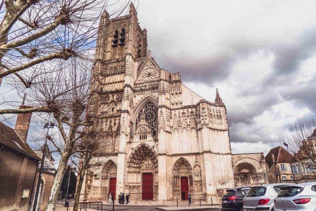 Cathédrale Saint-Étienne d'Auxerre exterior