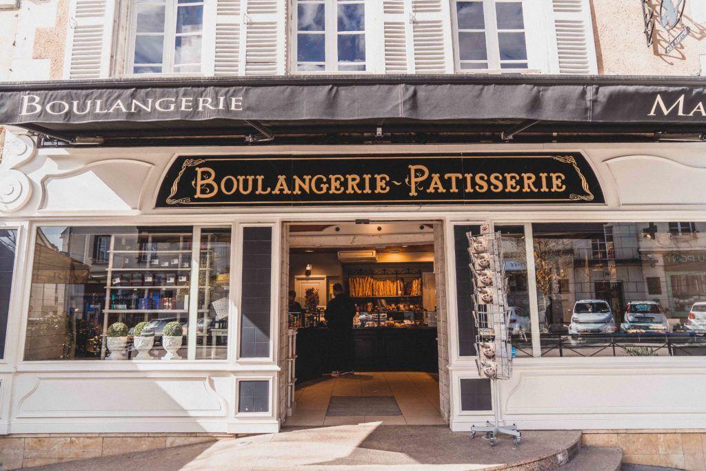 Boulangerie Pâtisserie Eric ROY exterior on a sunny day