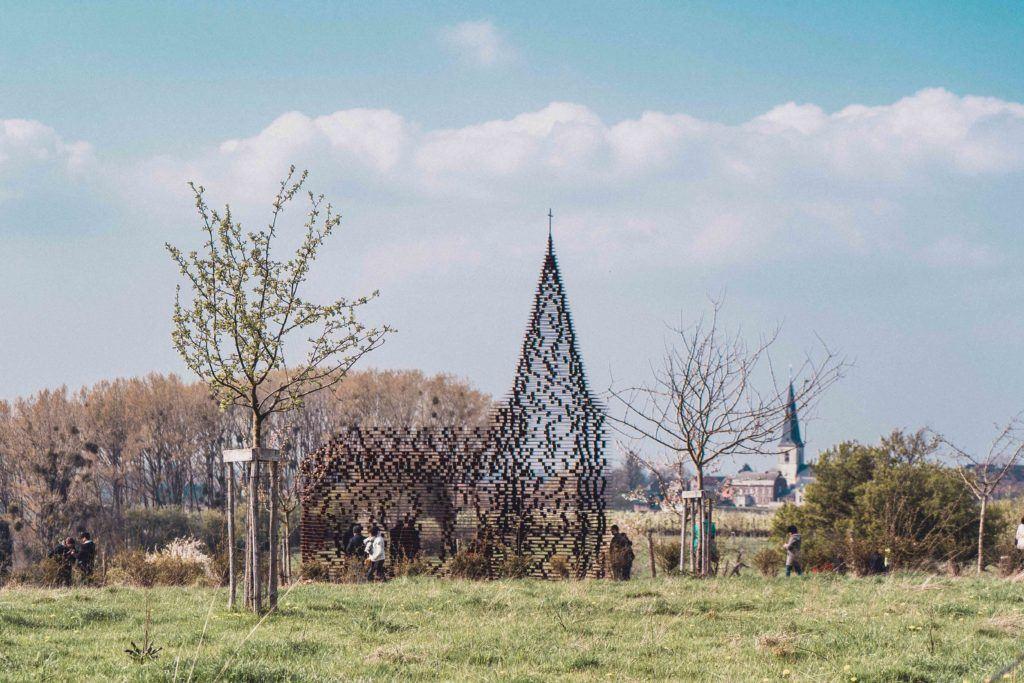 How to Visit 'Reading Between the Lines' in Belgium