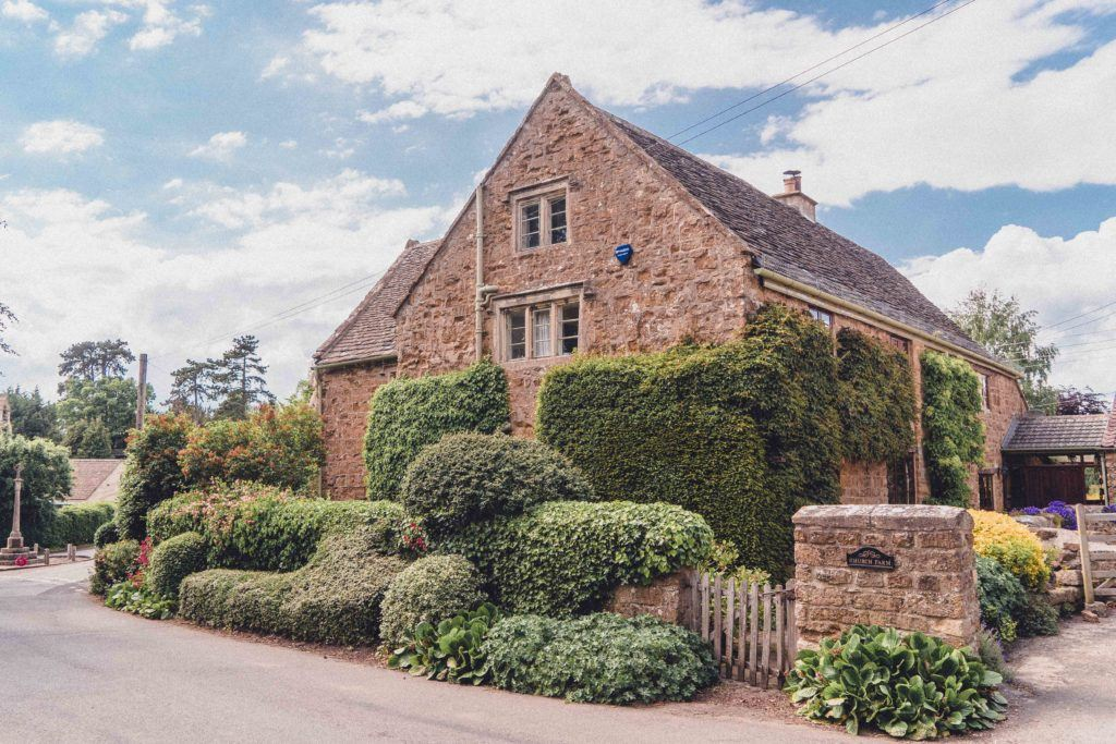 Stinchcombe pretty cottage in the cotswolds