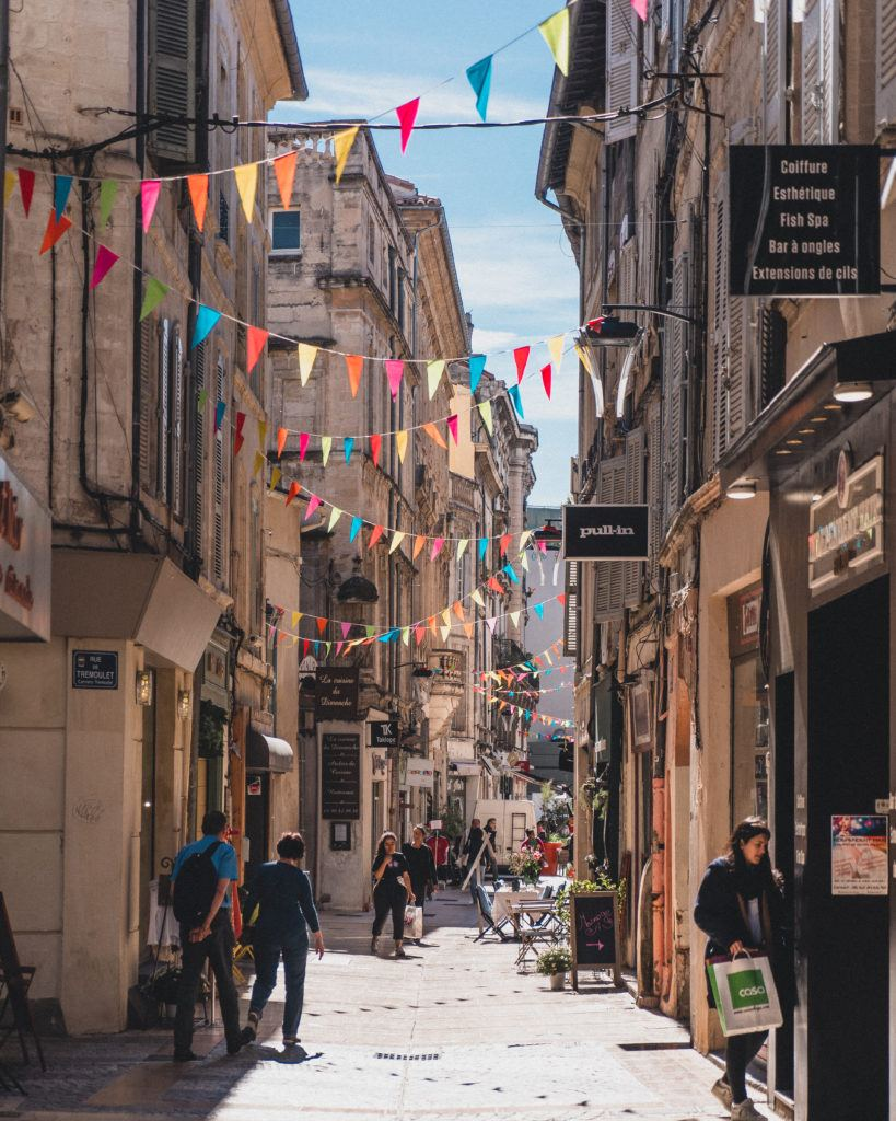 How to spend the perfect one day in Avignon itinerary. Looking for the best things to do in the foodie city of Provence? Here's your guide to the best foodie spots and things to do in Avignon!