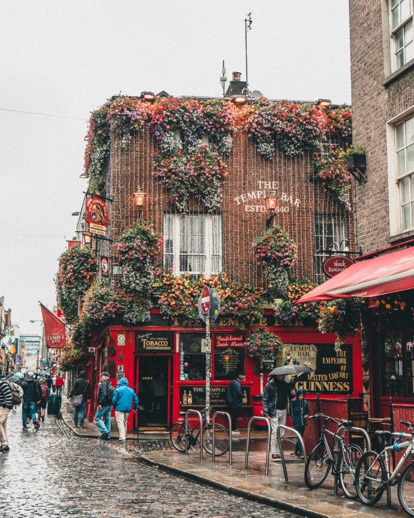 How to spend a rainy day in Dublin and still have fun! Looking for the best things to do in the Irish capital city in the rain? This is your ultimate guide for indoor attractions in the Emerald Isle Capital of Dublin in Europe