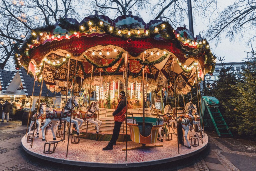 Colone Christmas Market Guide: Everything you should know about Christmas in Cologne North Rhine Westphalia, Western Germany; festive illuminations and Christmas things to do in Cologne (Köln), Germany