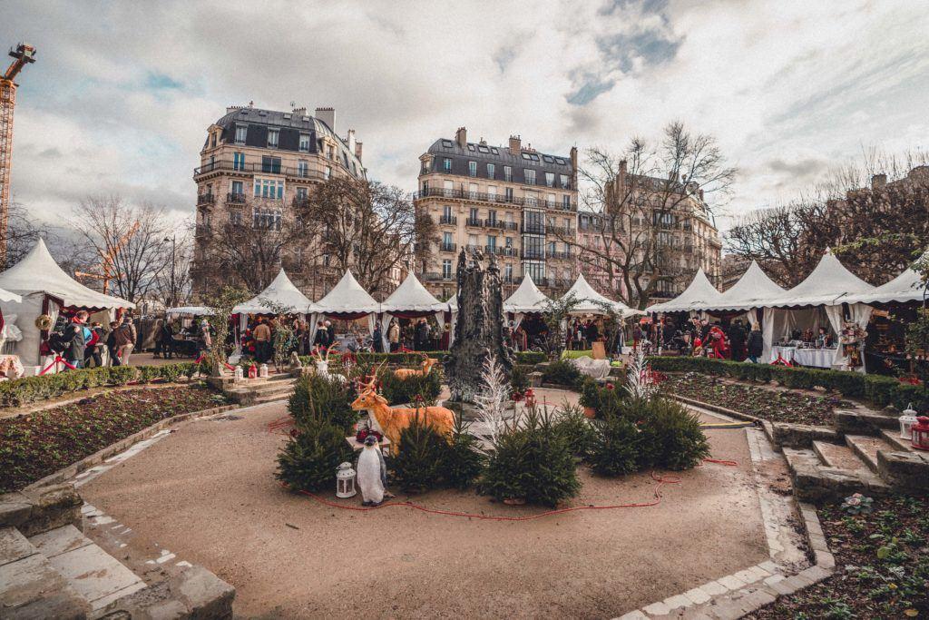Notre Dame de Paris Christmas Market Guide (Marché de Noël de Notre Dame): how to visit the festive Christmas market at Square René-Viviani, Latin Quarter, Paris, France