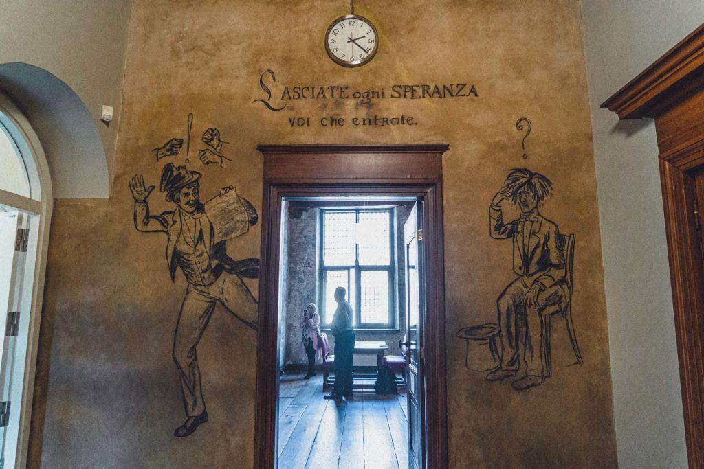 How to Visit Leiden University's Zweetkamertje (Sweat Room)