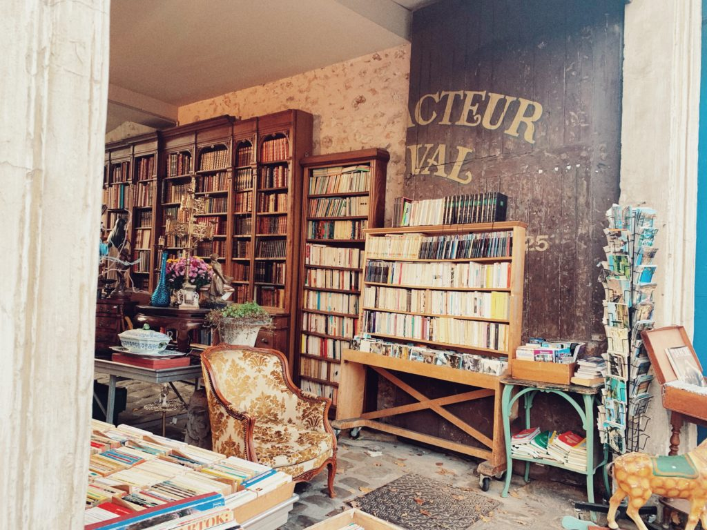 These Versailles Bookshops Will Steal Your Heart