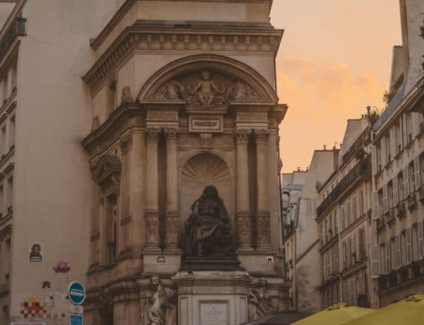 Fontaine Molière: A Beautiful Fountain in the 1st Arrondissement