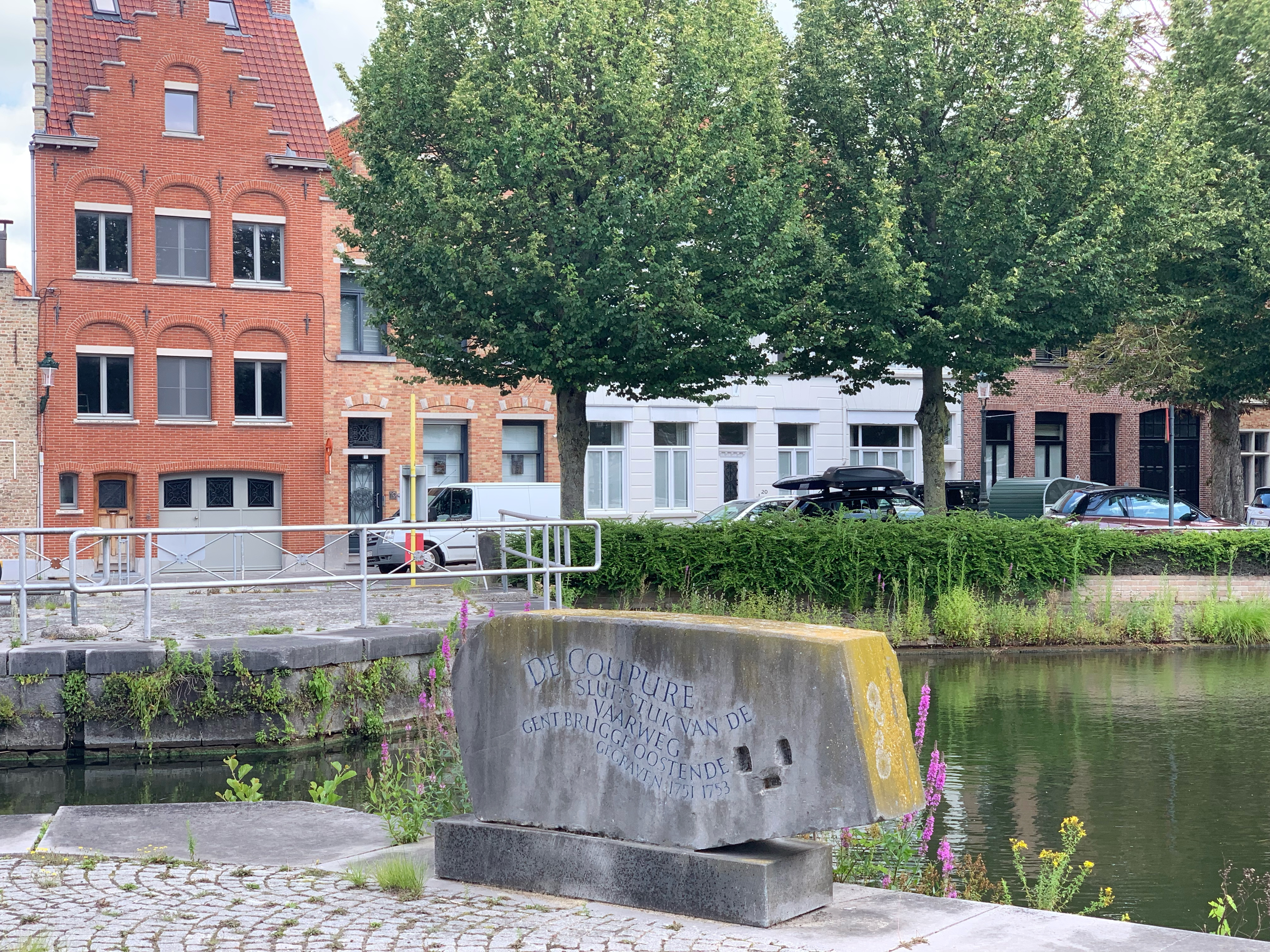 Rock statue on the Canal
