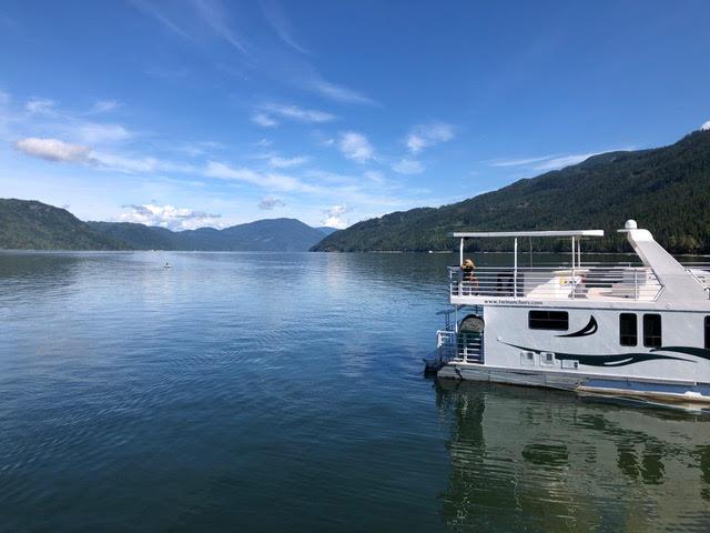 Houseboating on Shuswap Lake